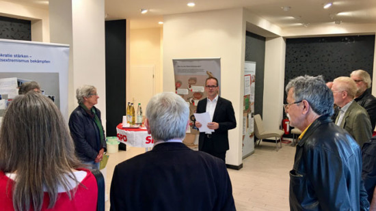 Ausstellungseröffnung durch Grant Hendrik Tonne