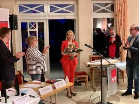 Peggy Schierenbeck wurde mit 94,8% zur Direktkandidatin der SPD im Wahlkreis Diepholz - Nienburg I gewählt