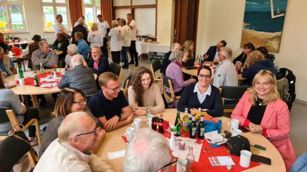 Zahlreiche Gäste besuchten das Wikingerkegel-Turnier der SPD Heemsen.